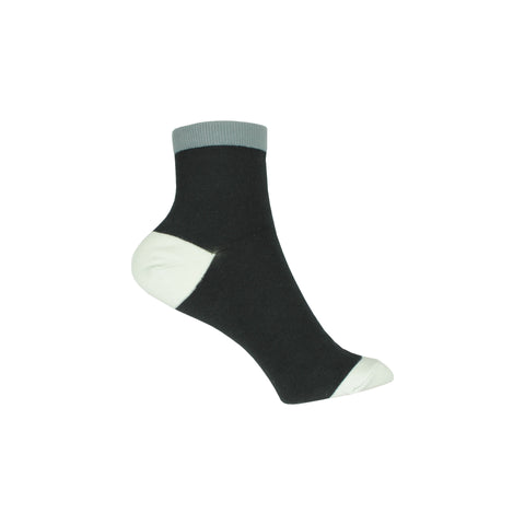 Contrast Cuff Ankle Socks in Black
