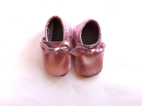 Bow Moccasin in Blush Metallic