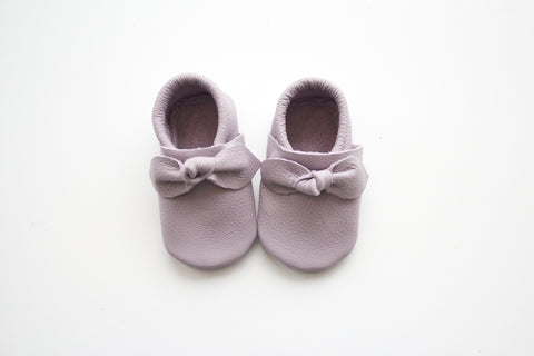 Bow Moccasin in Lavender