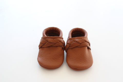 Braided or Bow moccasin in Cognac