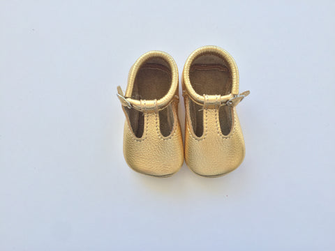 T-strap classic in Gold