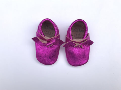 Bow Moccasin in Pink Metallic
