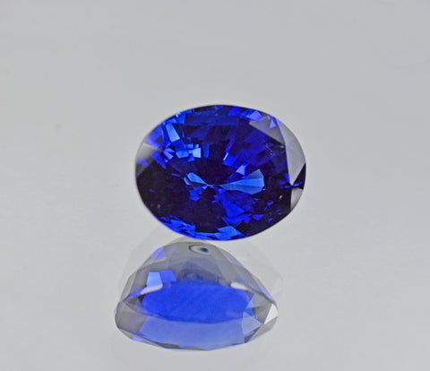 7.09 Carat Natural Sapphire Gemstone from Ceylon in Royal Blue Color