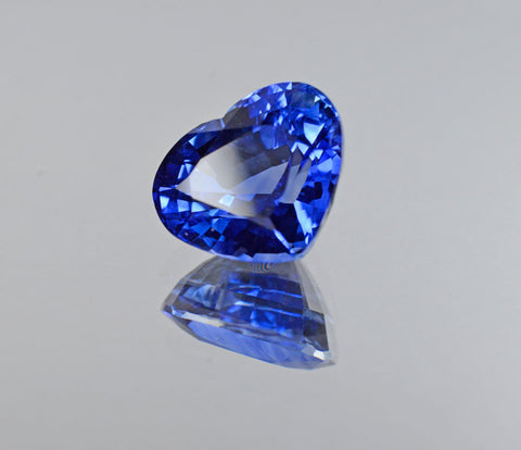 8.03 Carat Heart Shaped Sapphire Gemstone in Corn Flower Blue