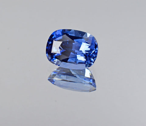 5.25 Carat Natural Unheated Blue Sapphire Gemstone