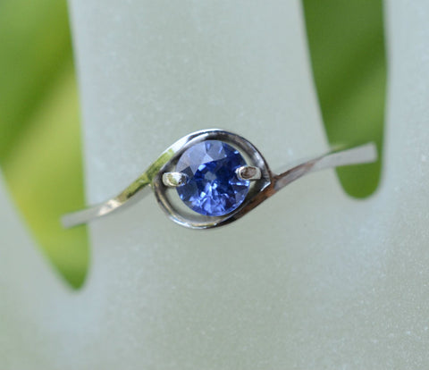 Round Ceylon Blue Sapphire in 18K White Gold Swirl perfect for an engagement ring
