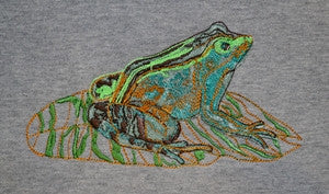 J303 Womens Scoop Neck T-Shirt With Embroidered Green Frog Design 23N/04 (nature)