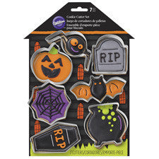Wilton 7 pieces Halloween cookie cutter set