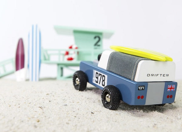 Candylab-Toys-Drifter-978-carefully-crafted-woodwork-toy-car-holzspielzeug-Land-Rover-defender-surfboard-vintage
