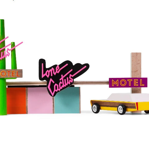 candylab-Toys-Lone-Cactus-Motel-USA-Roadtrip-american-classic-cars