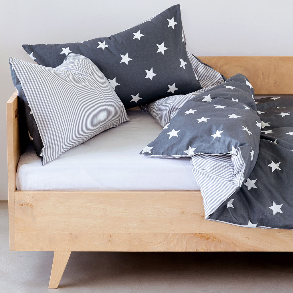 Kids Duvet - Stars With Grey Stripe Reverse