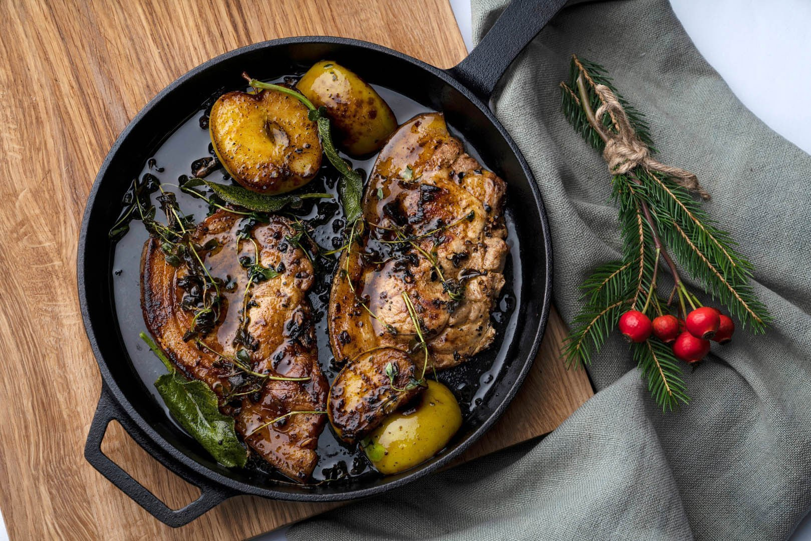Roast Pork Chops with Apple & Cinnamon Featured Image