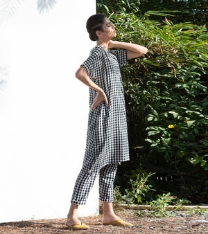 Hellebore Checkered Tunic & Pants Set