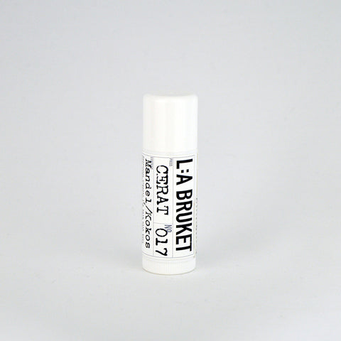 Lipbalm with a Scent of Almond and Coconut 017