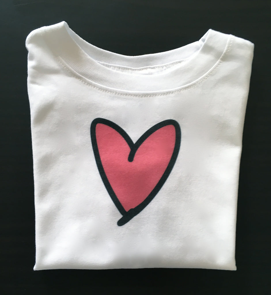 i heart pink. toddler tee.