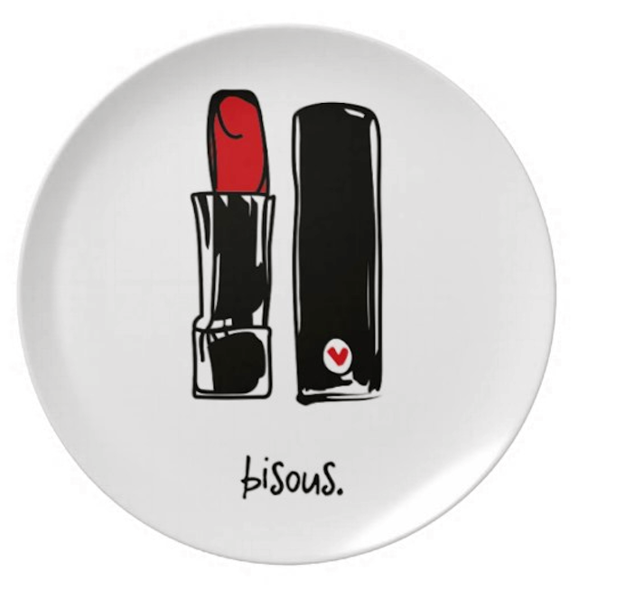 "bisous. 8"" melamine plate."