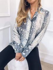 Outlet Amara Shirt - Snake Print, Top - Pretty Lavish