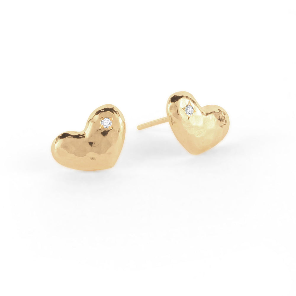 WD29, 14kt gold, hammered puffy heart with diamond Stud