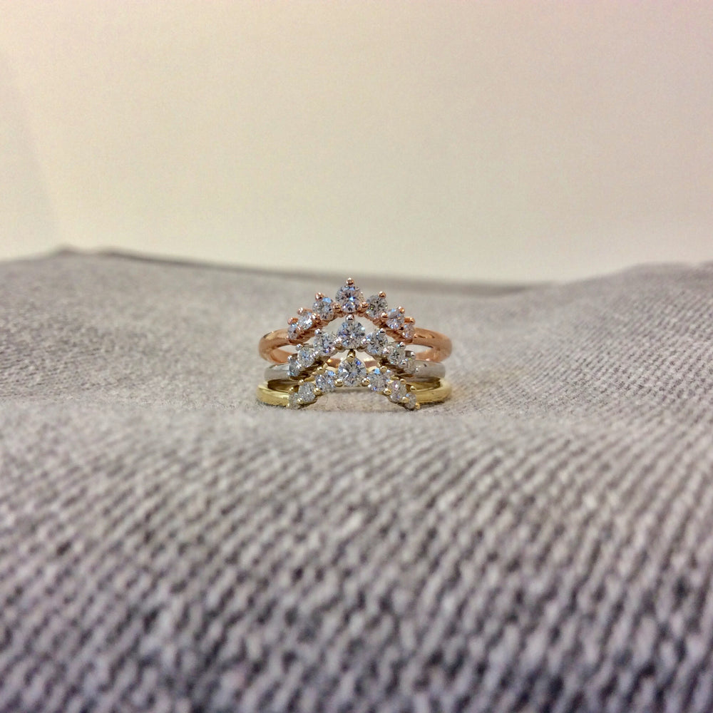 WD552 - Curved Diamond Ring