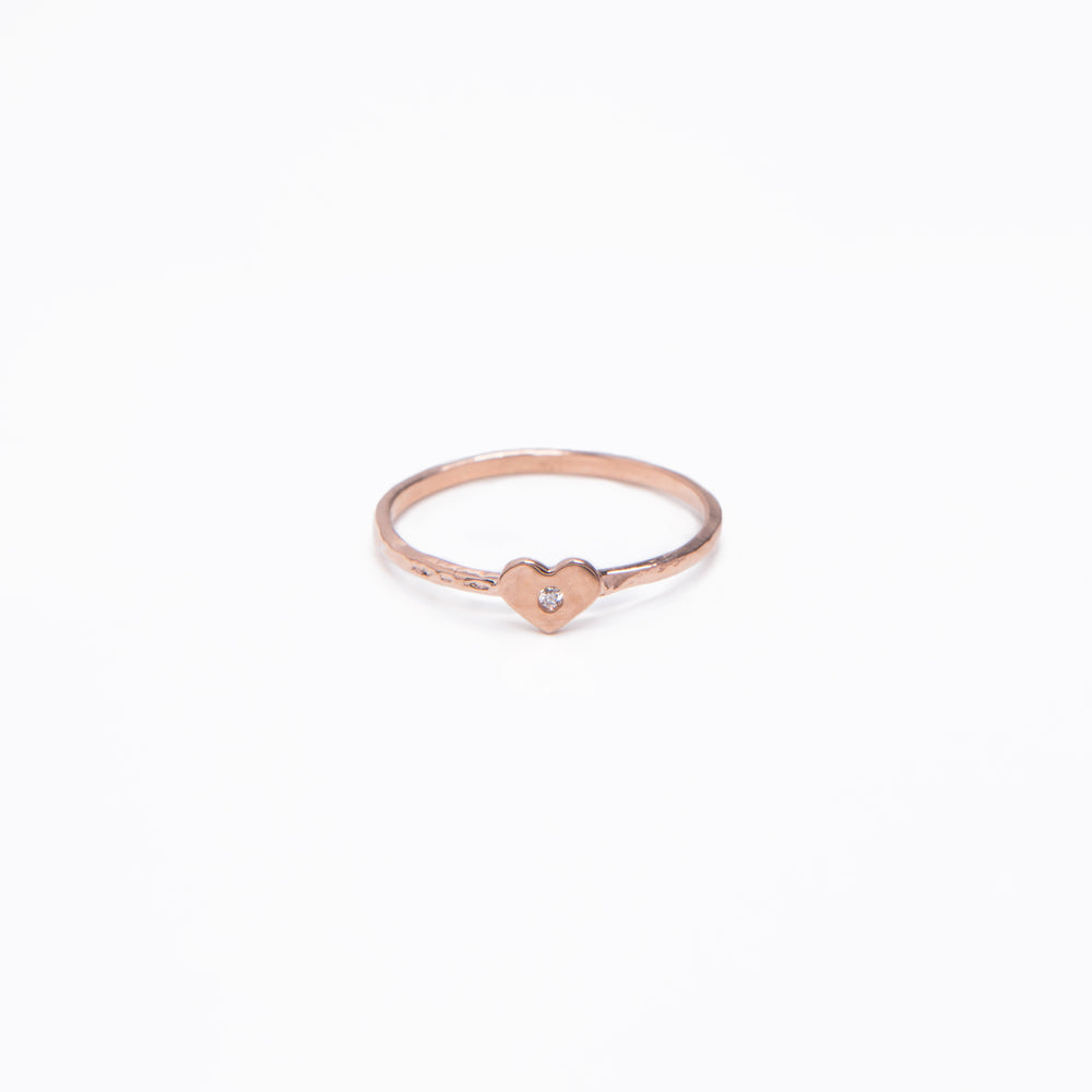 WD24 - Tiny Heart Ring