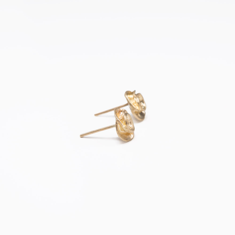 WD42 - Full Bloom Rose Studs