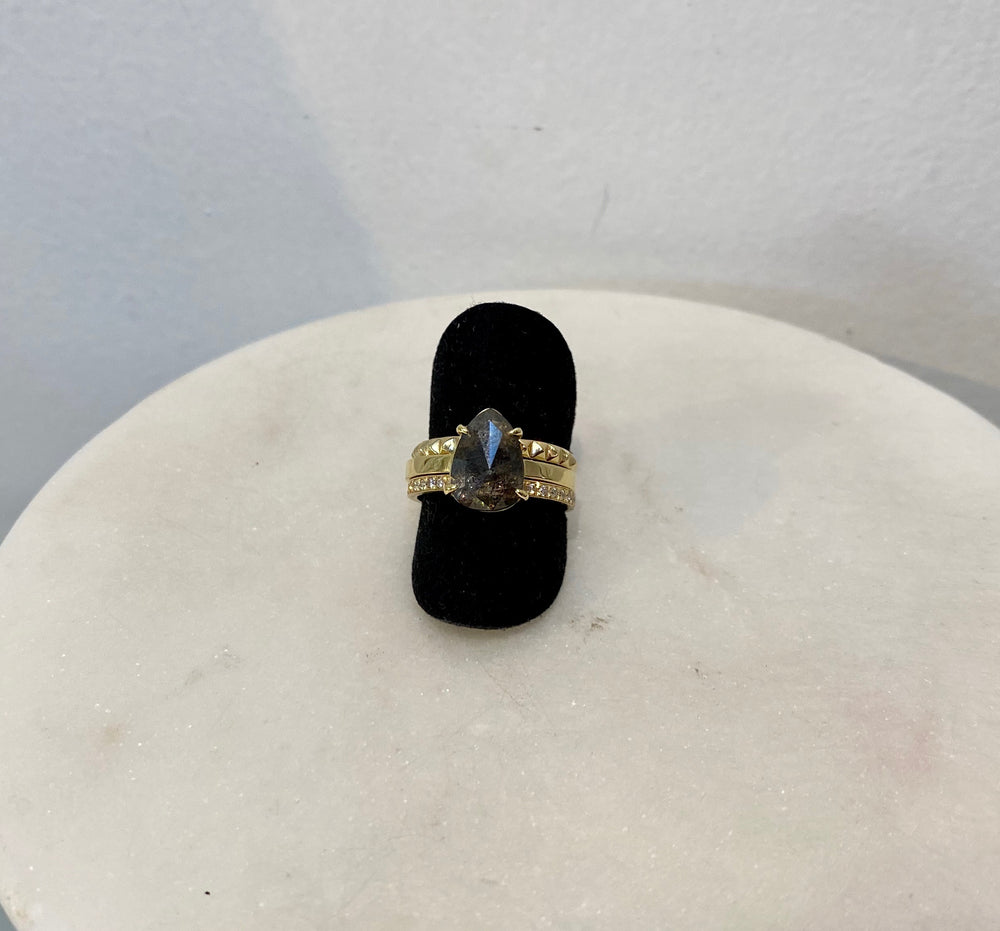 WD567 14kt yellow gold, approx 1.40ct Raw, Rose cut, pear shaped diamond ring