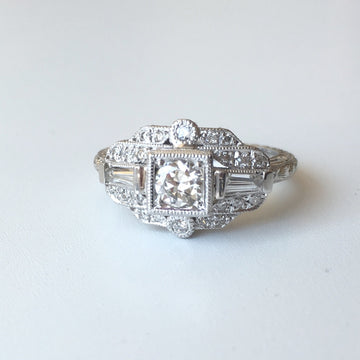 Hand Engraved 18kt Gold Diamond Ring R10-2