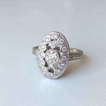 Hand Engraved 18kt Gold Diamond Ring R12-2