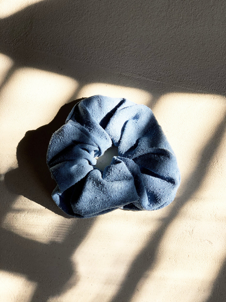 Scrunchie, Silk Noil in Indigo