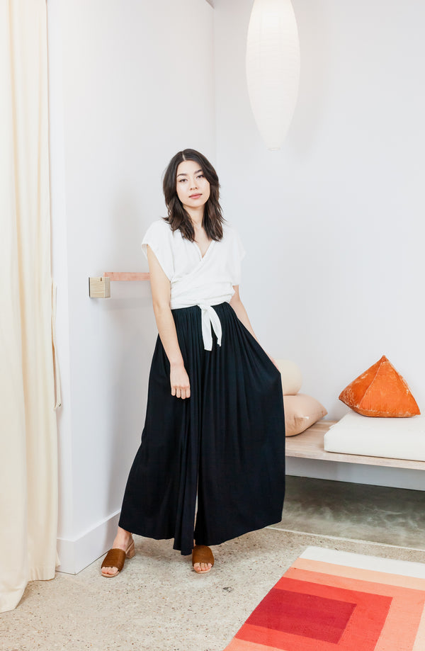 Hepburn Pant, Rayon in Black