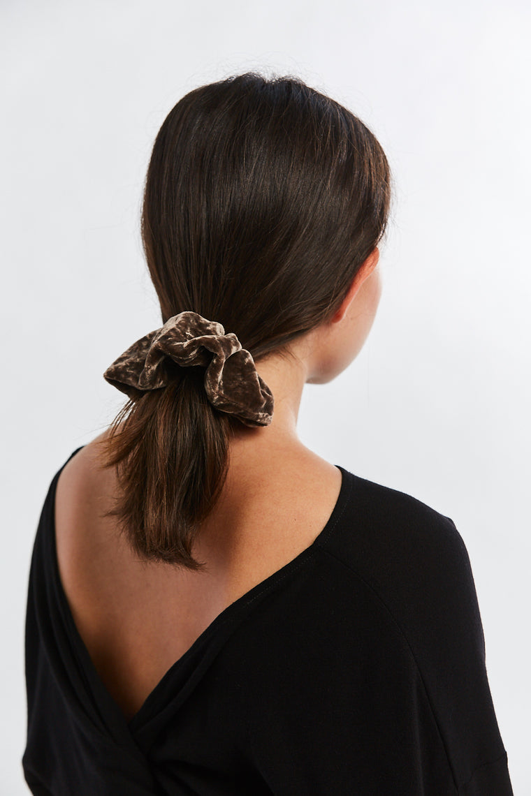 Winden x MBS Scrunchie, Velvet in Abiquiu
