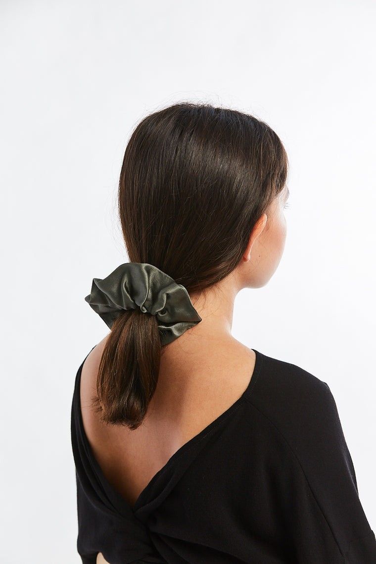 Winden x MBS Scrunchie, Silk Charmeuse in Lanai