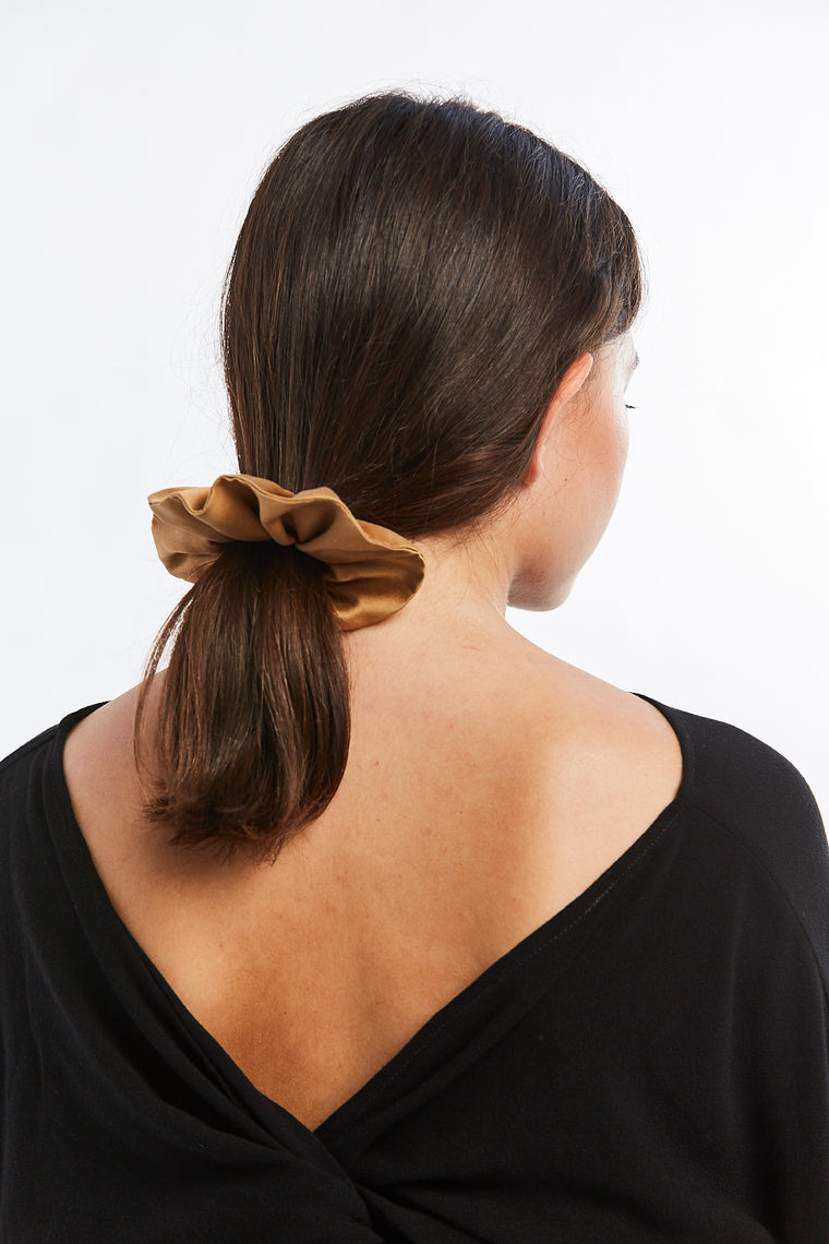 Winden x MBS Scrunchie, Silk Charmeuse in Acacia