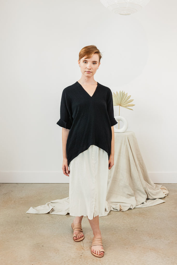 Petite Muse Top, Bubble Gauze in Black