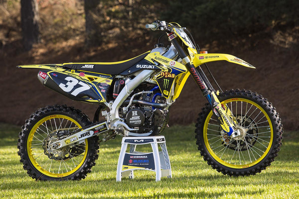 Clutch side view of Phil Nicoletti's RM-Z250