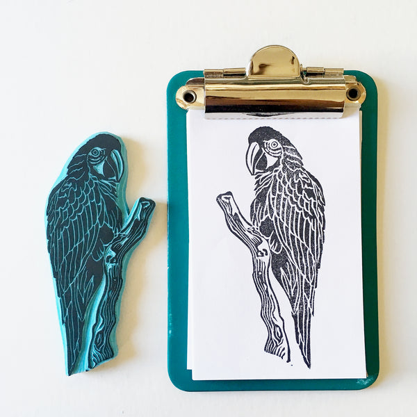 Macaw bird rubber stamp, tropical bird stamp made by cassastamps