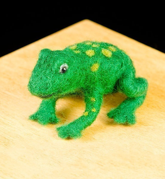 Frog Needle Felting Kit