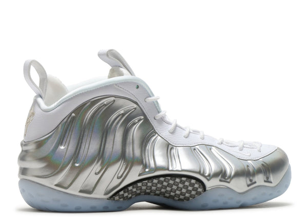 "WOMENS AIR NIKE FOAMPOSITE ONE ""WHITE CHROME"" (AA3963 100)"