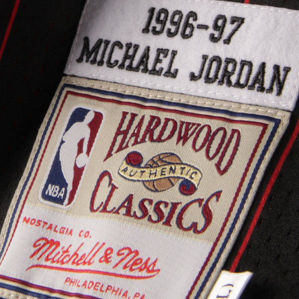 "MITCHELL AND NESS MICHAEL JORDAN 1996-97 Authentic ""AWAY BLACK PINSTRIPE"" Jersey CHICAGO BULLS"