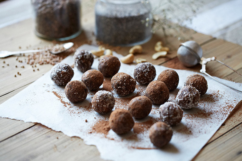 https://aconsciouscollection.com/2014/05/04/chocolate-protein-balls/