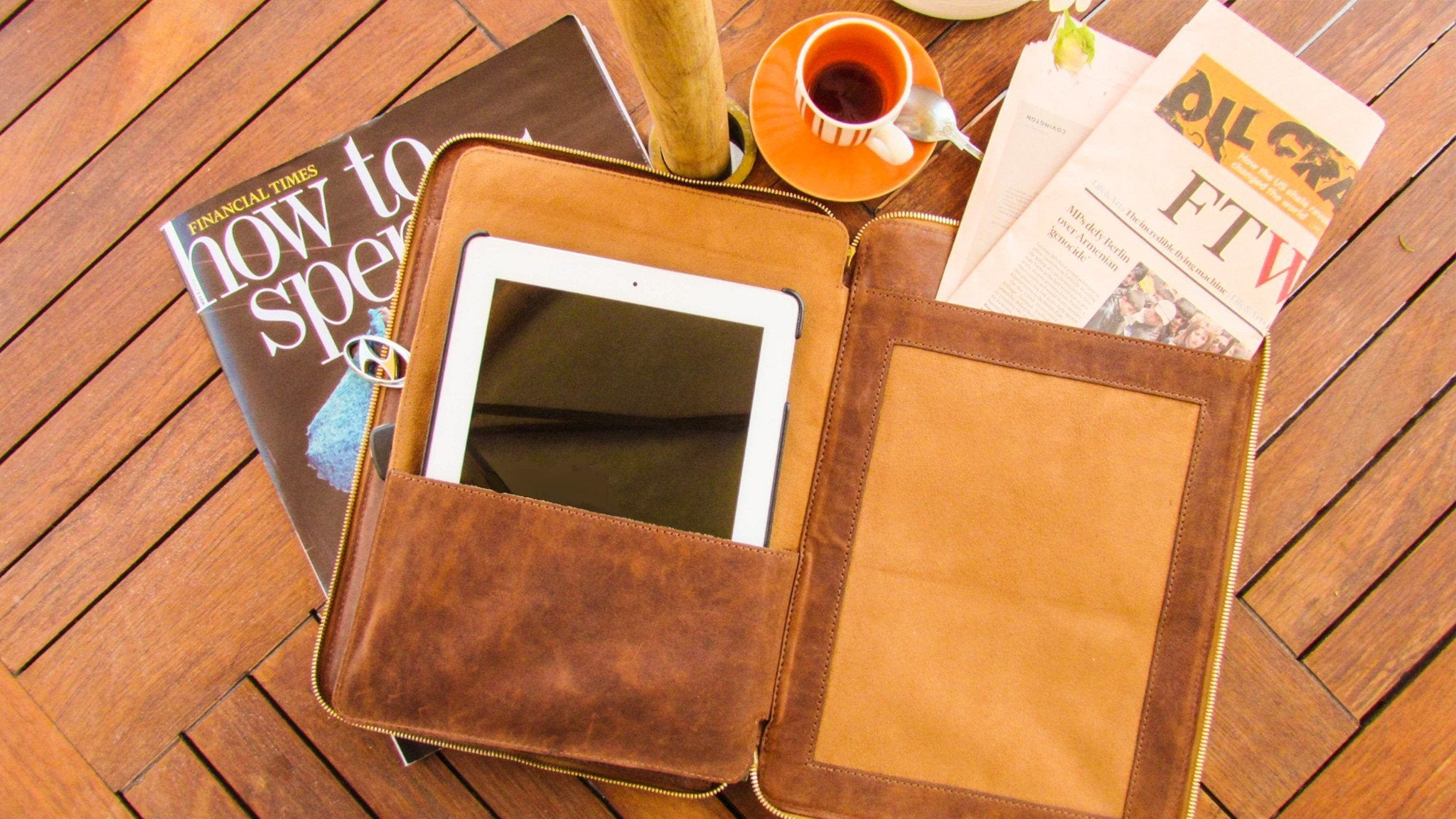 The Slim Safe Portfolio can store your tablet perfectly - Decor