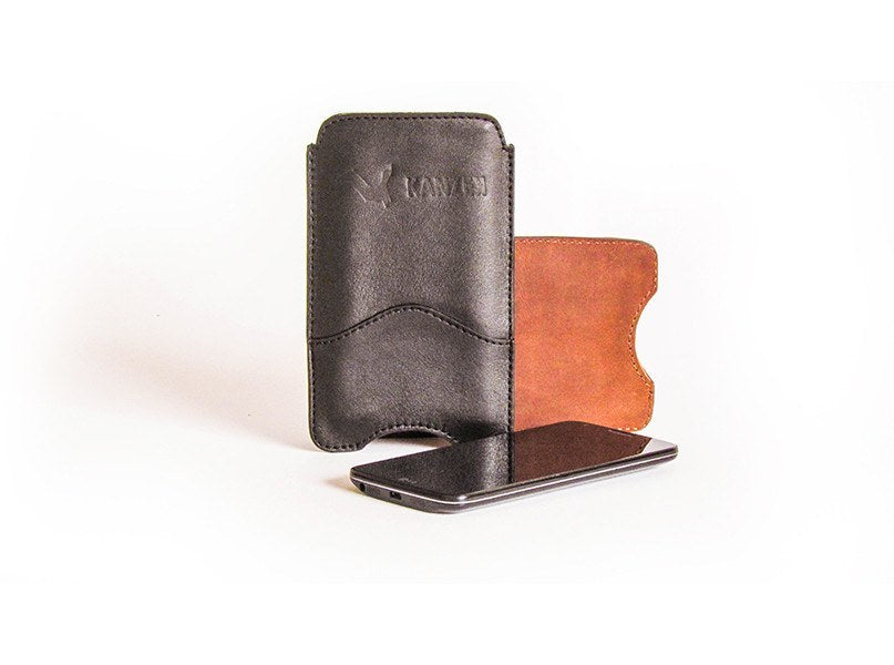 The Wise iPhone 6 Case comes in Black or Vintage Cognac and has a very design and sober look.