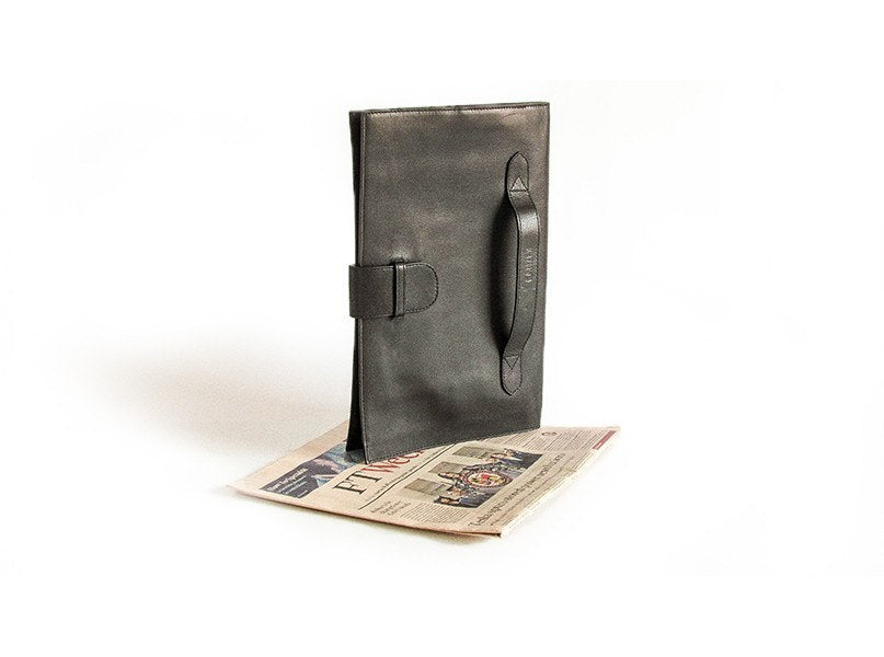 The Smart Business Portfolio in Black has the perfect size to store your documents or ultrabook.
