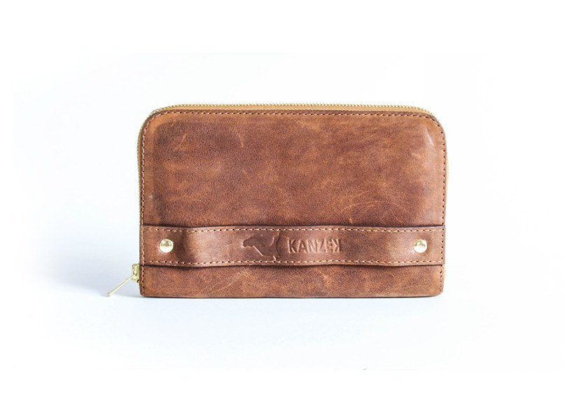 The Gentle Grasp Purse - Front view - A compact and convenient leather purse with a handgrasp for women