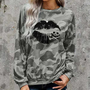 Skull & Crossbones Lips High-low Edge Camo Print Sweatshirt