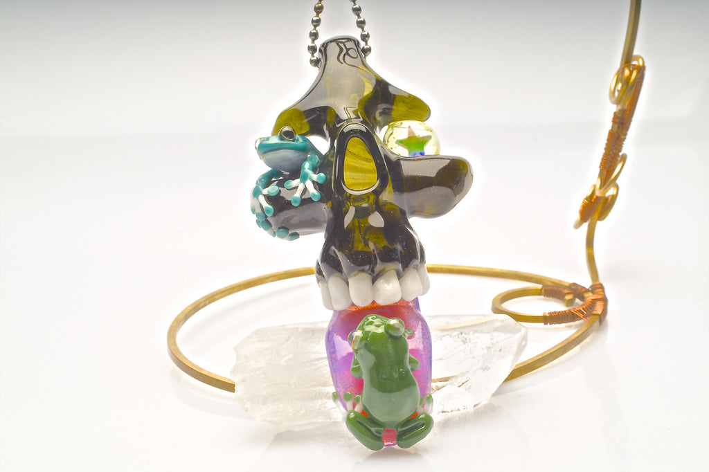 "Northern Lights x Kentaro Takayama ""I'm Not, NOT Licking Frogs"" Pendant Collaboration"