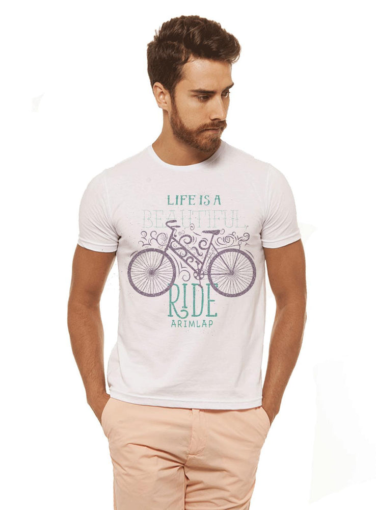 Camiseta Life Is A Branca Estampada