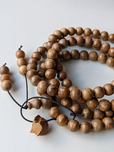 Beads *New* Wild Agarwood Aqualaria Malaccensis 108 mala 8mm 21g Classic Pattern