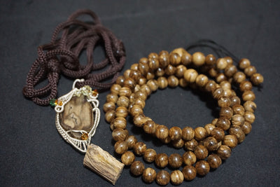 Beads Wild Borneo Agarwood 108 mala necklace and pendant silver covered