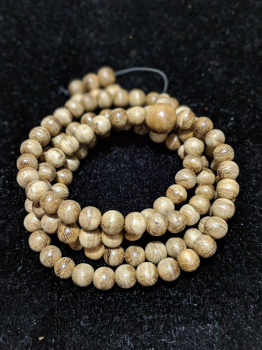 Mala beads Entry Level: Wild Borneo Agarwood 108 mala weight above 12g with 8mm dimension